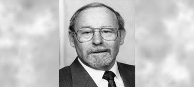 Hans Jörg Huber wurde am 6. Juni 1932 in Zurzach geboren. Er besuchte das Kollegium in Stans und studierte Rechtswissenschaften in Perugia, ... - HJ-Huber
